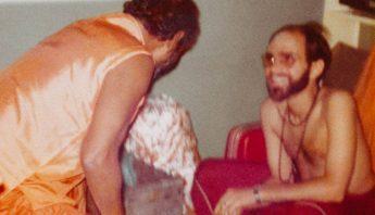 Swami Shankarananda with his Guru Baba Muktananda